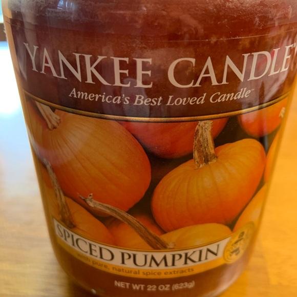 NEW Yankee Candle Spiced Pumpkin 22 Oz. Jar Candle